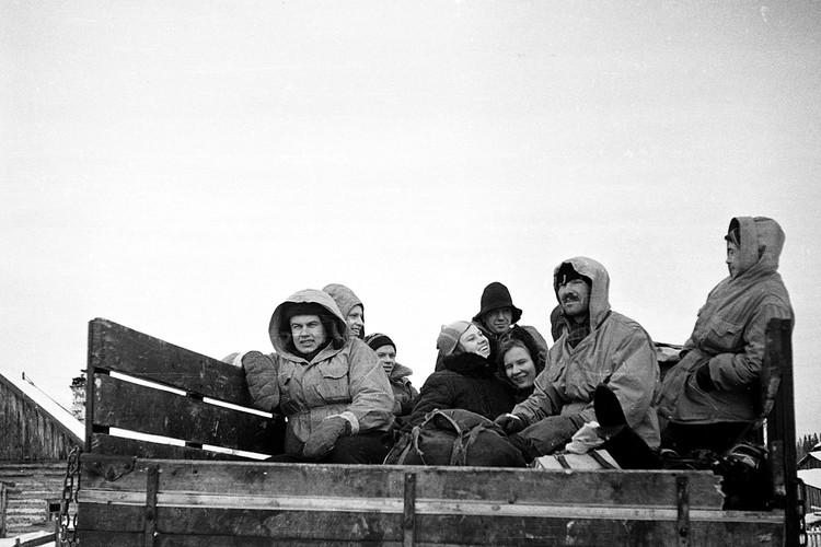 Зимой 1959 года в горах Северного Урала пропали девять туристов-лыжников, ушедших в поход под руководством Игоря Дятлова