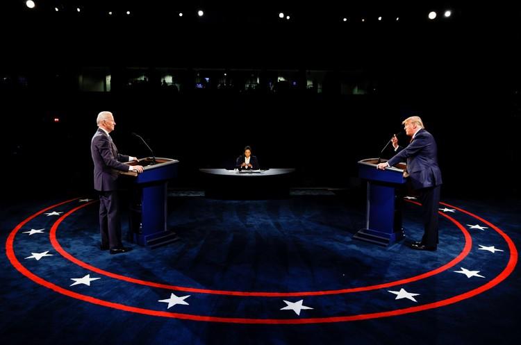 Трамп и Байден последний раз встретились в студии. Кто будет лидером страны, решат выборы.