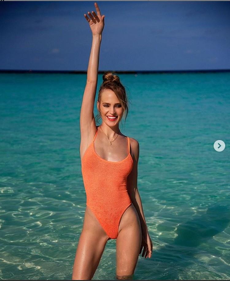 Наталья похвасталась стройной фигурой в купальнике. Фото: Инстаграм.