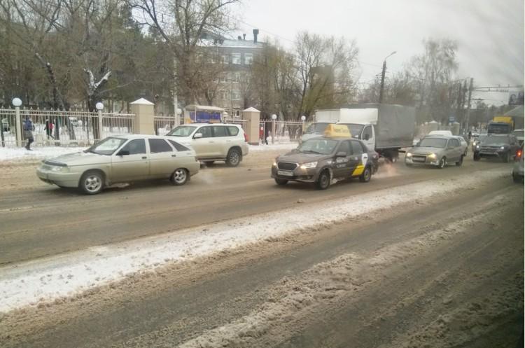 Пробка на Блюхера. Фото: читатель КП-Челябинск.