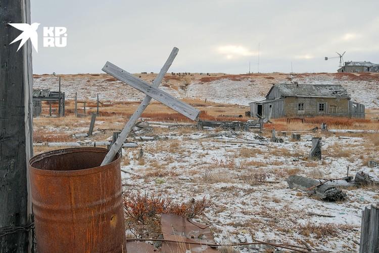 Рядом с территорией бывшего лагеря находится метеостанция (действующая). Фото Максима Рязанцева
