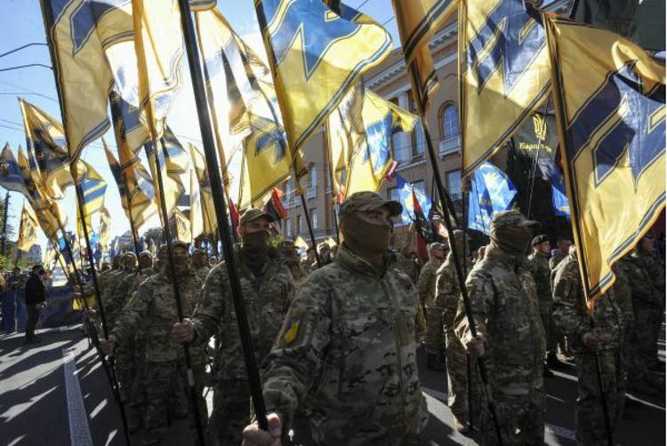 В Киеве не скрывают, что готовы совершить «решительный блицкриг» и отвоевать Донбасс. Фото: Sergei CHUZAVKOV/Global Look Press