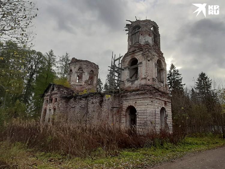 Свято-Владимирский храм в Елизаветино пока еще только ждет обновления