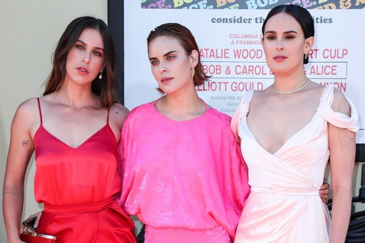 У Деми три дочери – 32-летнюю Румер, 29-летнюю Скаут и 25-летнюю Таллулу она родила от актера Брюса Уиллиса.