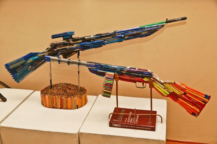 В Алтайском институте культуры представлена выставка мастерской Александра Деринга.