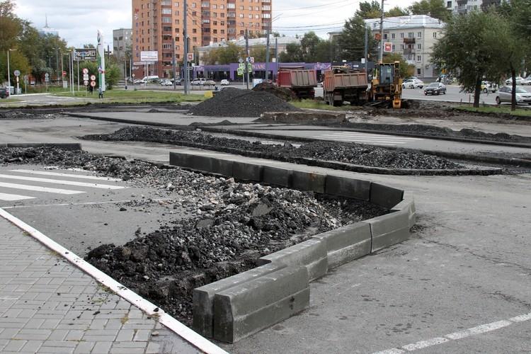 Переделывать парковку начали еще в сентябре Фото: Эдуард Фадюшин