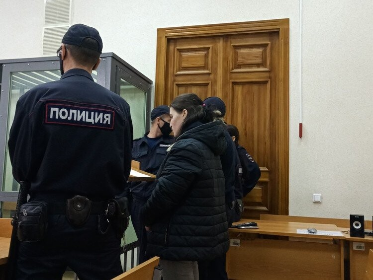 Зинаиду Проскурину тоже судят за истязание дочки