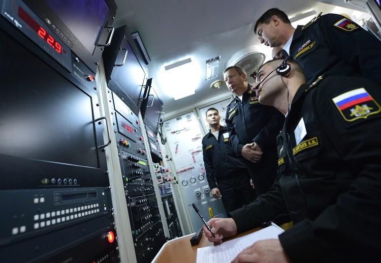 Durante los ejercicios de las fuerzas de apoyo de búsqueda y rescate de la Flota del Pacífico en el Golfo de Pedro el Grande. Foto: Yuri Smityuk / TASS