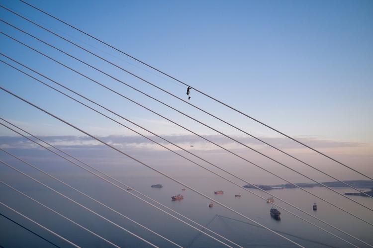 Фотографии с воздуха передают весь масштаб операции. Фото: Виктор Гохович.