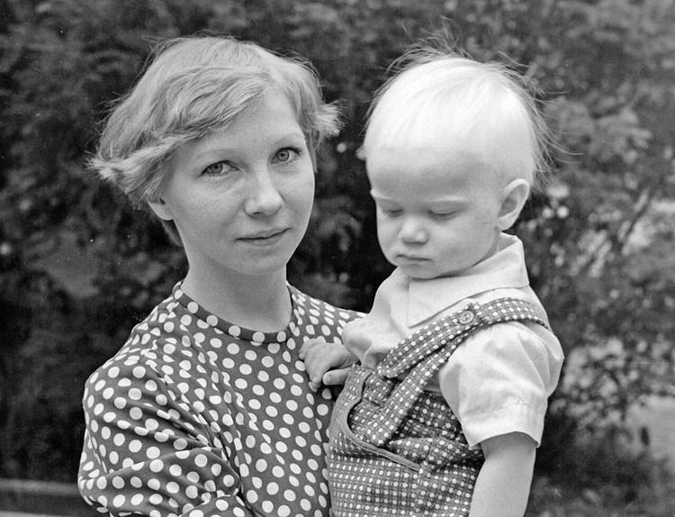 Дмитрий рос с мамой Фото: instagram.com/dmitry_khrustalev/