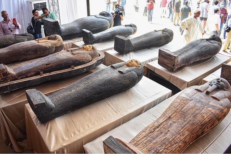 Саркофаги из числа 59 недавно обнаруженных. Фото: royalsocietypublishing.org
