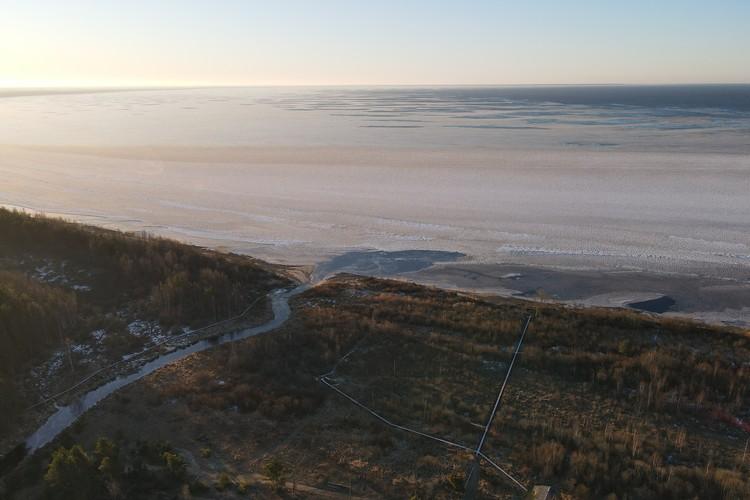 С высоты полета дрона открывается потрясающий вид на побережье. Фото: vk.com/n_svirsky