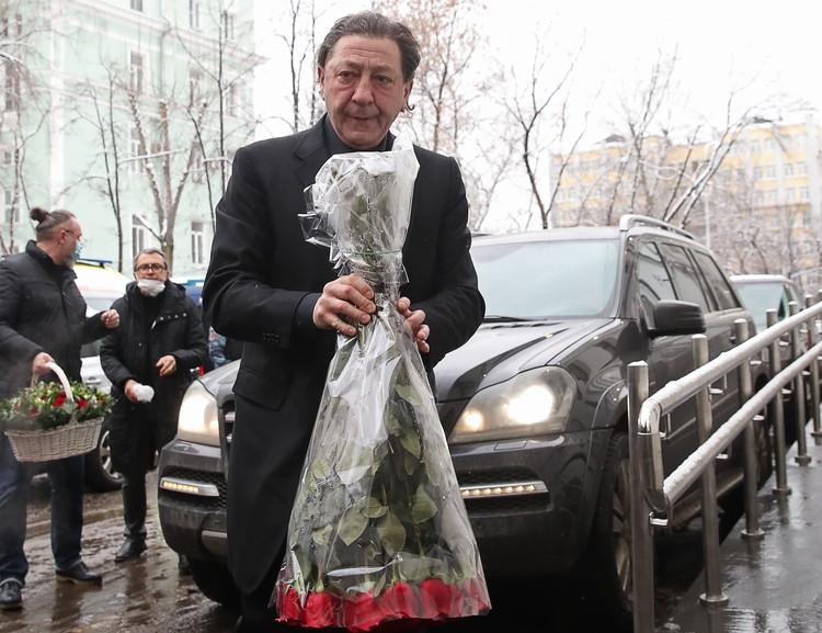 Среди посетивших траурное мероприятие был и Григорий Лепс. Фото: Вячеслав Прокофьев/ТАСС