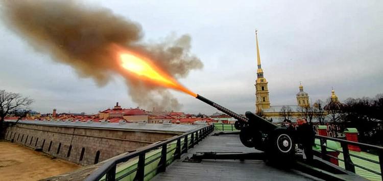 Новый пост Анатолий Чубайс отпраздновал выстрелом из гаубицы.