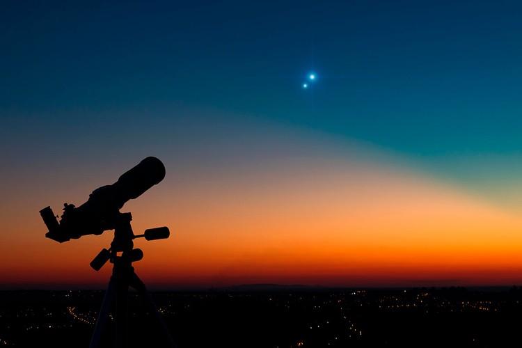 Юпитер и Сатурн на небе 20 декабря 2020 года.