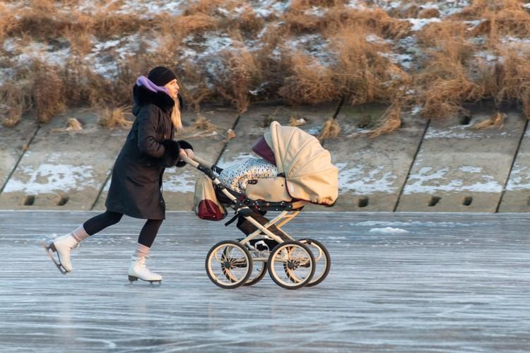 Пособия мамочкам ФСС будет платить напрямую, минуя работодателя