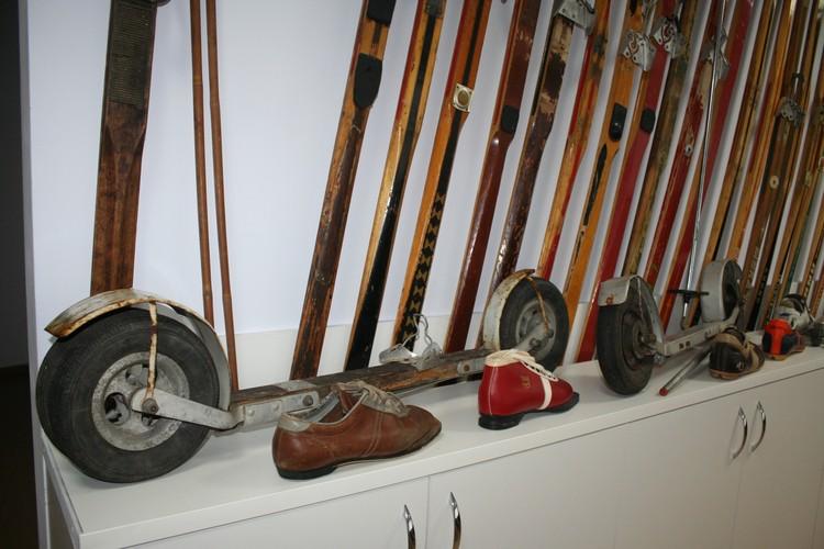 """На таких """"роликах"""" летом лыжники проезжали по 50-60 км за тренировку."""