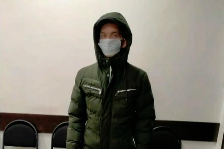 Налетчиком оказался ранее судимый 50-летний кировчанин. Фото: скриншот с видео 43.мвд.рф