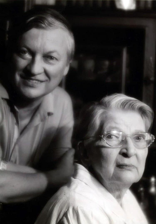 Анатолий Евгеньевич Карпов со своей мамой Ниной Григорьевной