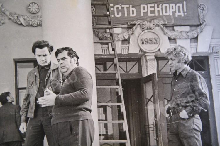 Второй снимок Пьера Ришара (на снимке справа), сделанный в Свердловске в тот же день, помог разобраться в этой истории. Фото: предоставлено семьей Анатолия Грахова