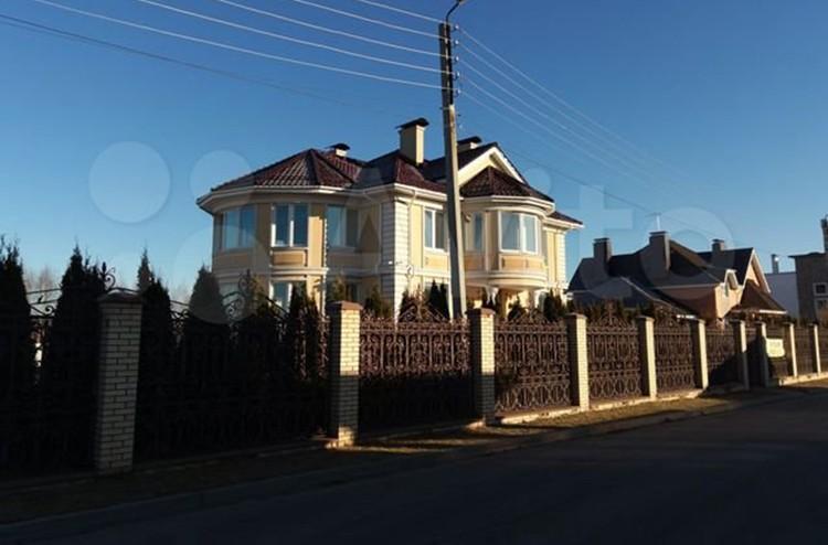 Покупателям придется выложить за элитное жилье 85 миллионов рублей. ФОТО: Avito