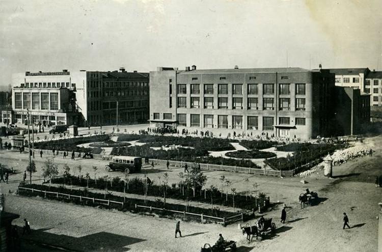 А это - площадь Ленина век назад. Фото: Музей Новосибирска.