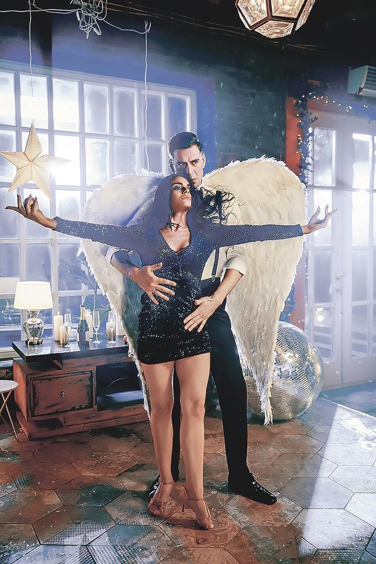 Дмитрий Дюжев, конечно, не ангел, но рядом с красавицей Марией Смольниковой у актера вырастают крылья. Фото: Канал «Россия 1»