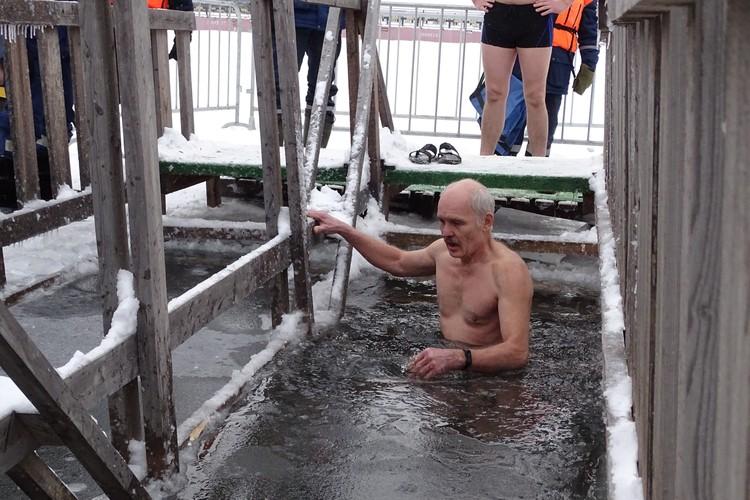 Подготовка к Крещенским купаниям в Липецке