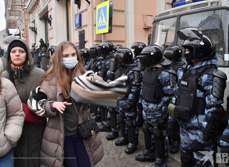 Российские же силовики грань между жесткостью и жестокостью не переступили