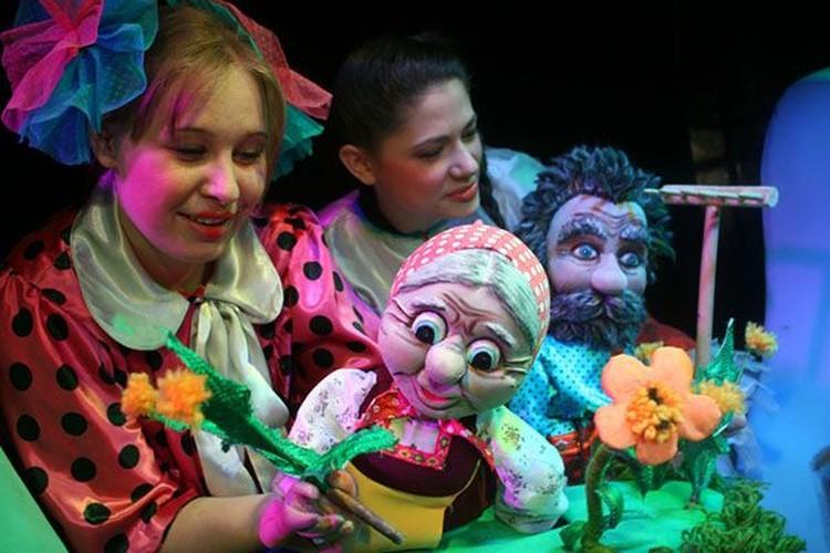 Театр кукол «Сказ» приглашает на постановку сказки «Бабка за Дедку, Дедка за репку». Фото: Екатерина БАХАРЕВА.