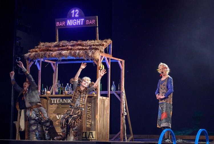 Если вы хотите посмеяться, то на праздник вам в драм театр, Фото: dramteatr18.ru