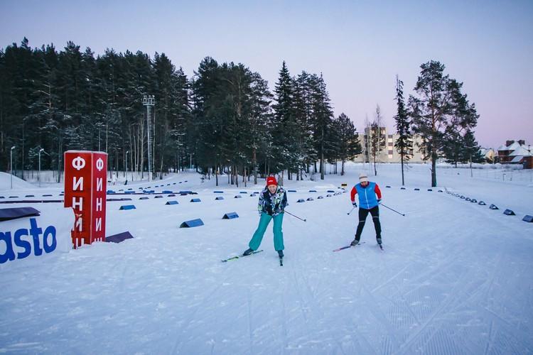 Прокатиться на лыжах с любимым — что может быть лучше?
