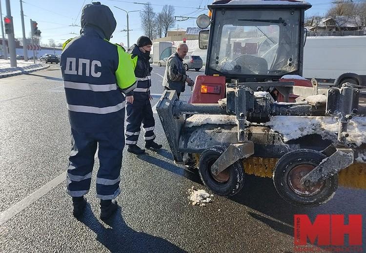 Гаишники рассказали, что с приходом морозов они часто помогают автомобилистам и участникам дорожного движения. «Минск-Новости»