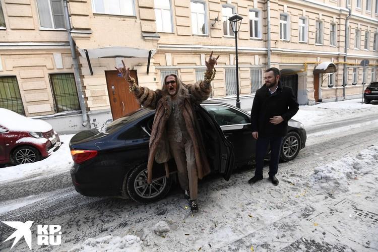 Никита Джигурда прибыл в ЗАГС