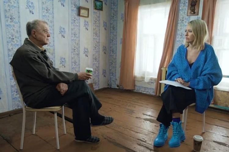 В интервью Собчак скопинский маньяк признался, что следит за судьбами своих жертв. Фото: Youtube: СобчакДок.