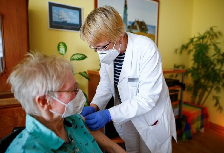 Привитые пациенты с бессимптомным носительством ковида в большинстве случаев менее заразны, чем вакцинированные
