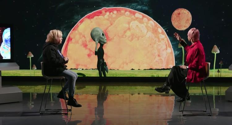 Катя активно развивает идею личного контакта с инопланетянами