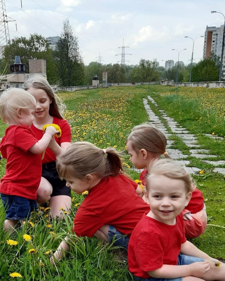 Всего у Евгении и Наталии семеро детей.