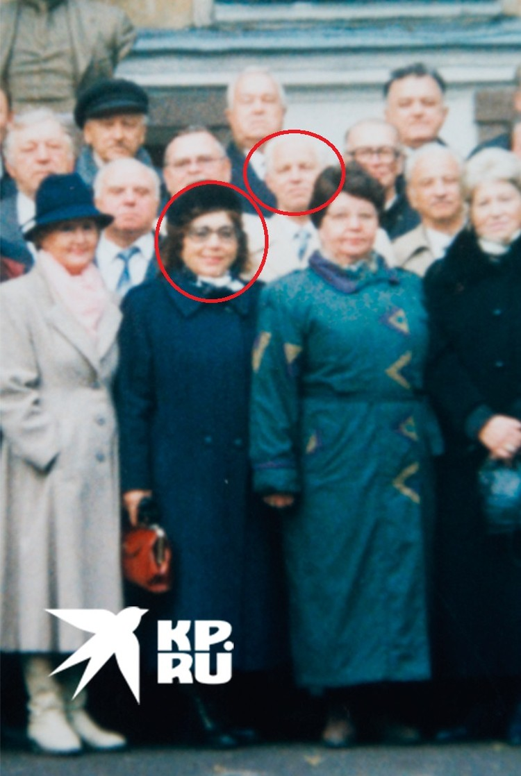 Жена Лобанова и сам адмирал на фото