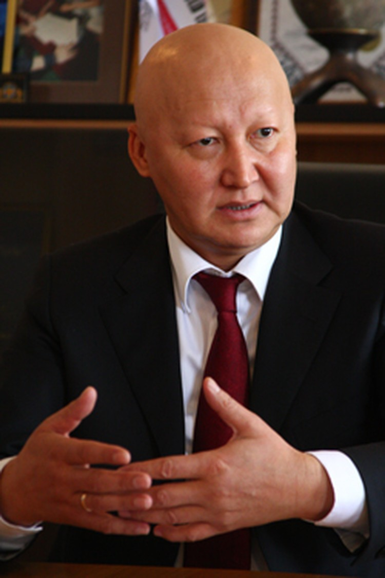 Женишбек Назаралиев