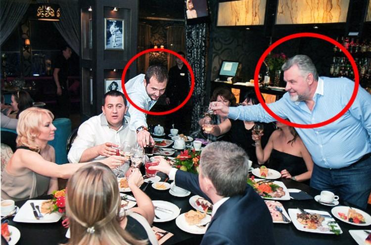 Иван Назаров (в центре, тянется с рюмкой) и зампрокурора МО Александр Игнатенко любили отдыхать вместе