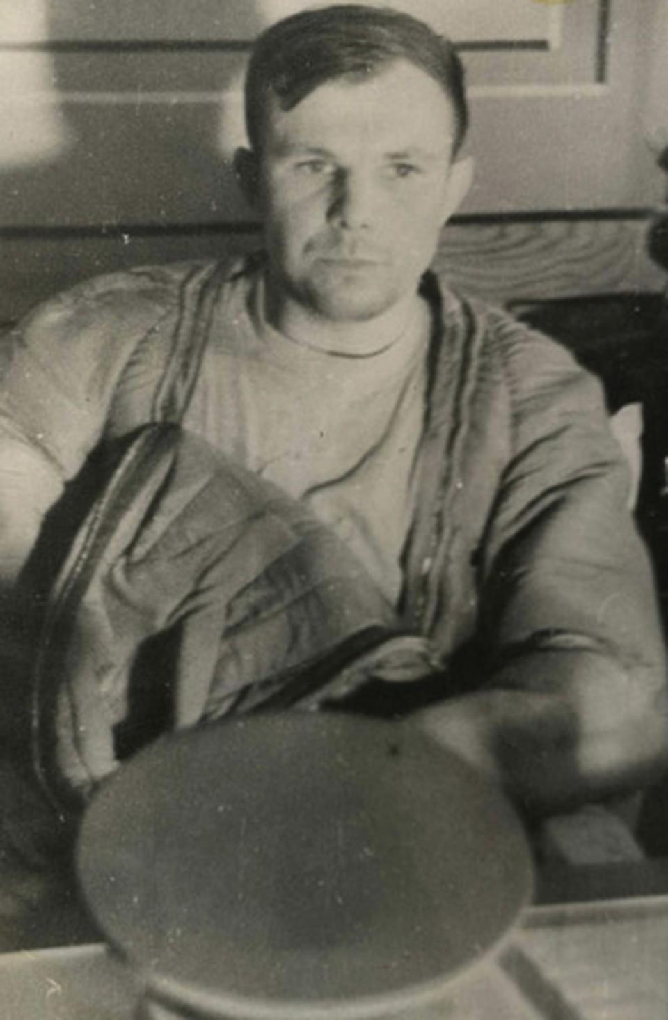 Хрущев настоял, чтобы лейтенанту Гагарину дали сразу звание майора.