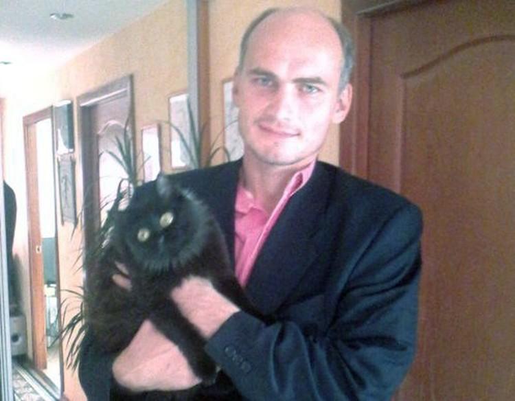 С кошкой друга, у которого остался на ночь в Ярославле.