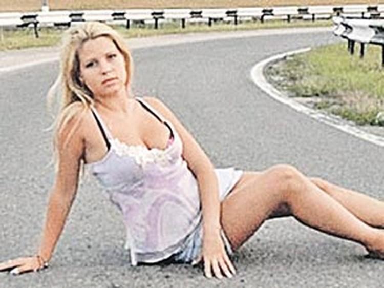 Позируя тут, Ирина не думала, что дорога станет не просто фоном для гламурной фотографии, а крутым поворотом в ее жизни