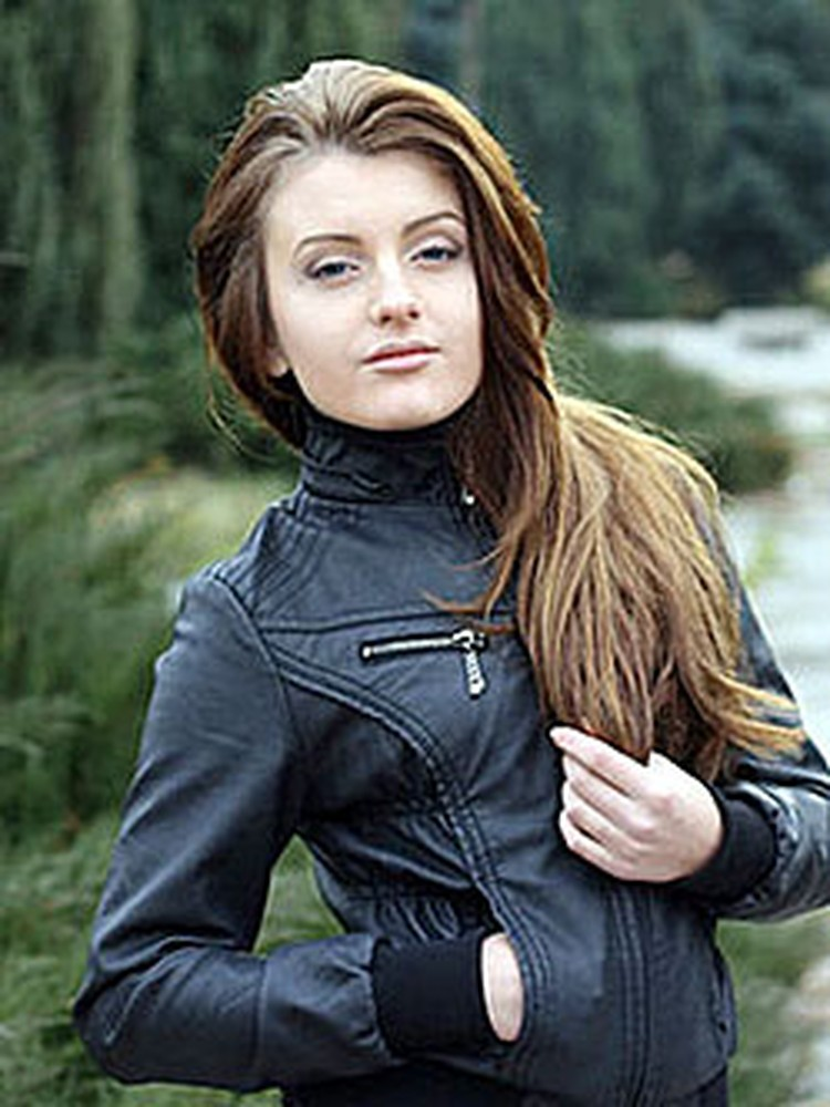 Алина ВЭКАРУ, 21 год, г. Сорока. (253)