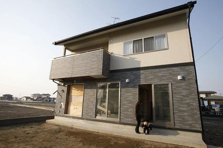 Восстановлена была полностью не только дорога, но и дом японской женщины.