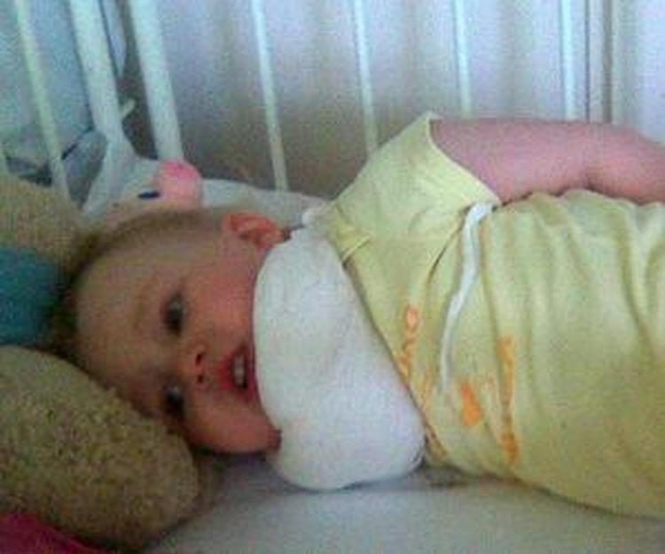 После катания на горке маленькая Настя две недели провела в больнице.