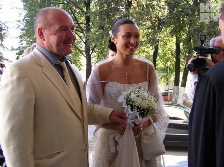 А ведь уже 7 сентября Николай и Анжелика могли отмечать стальную свадьбу