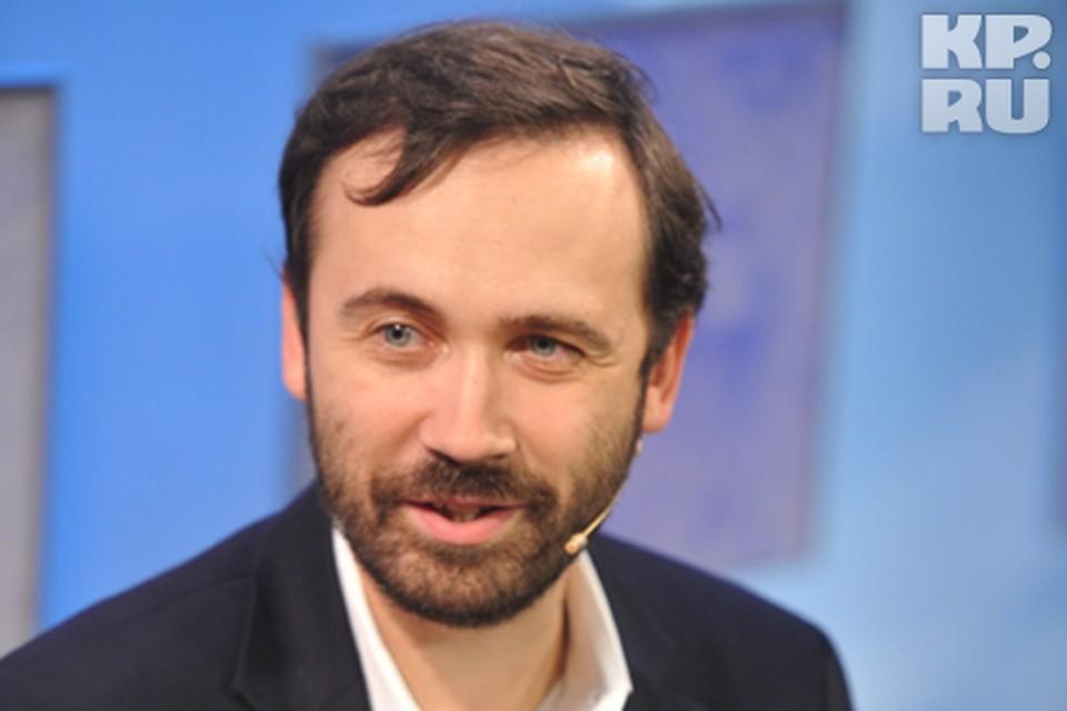 Коллеги депутата Ильи Пономарева лишили его права голоса за обращение «жулики и вор»