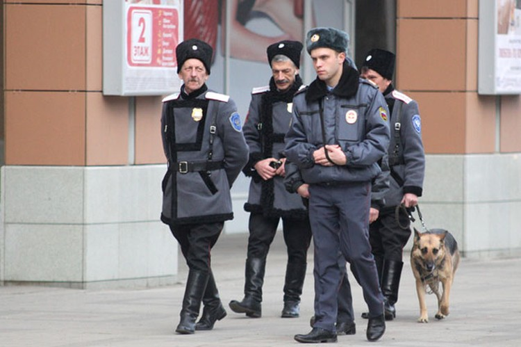 Насколько эффективны будут полицейско-казачьи патрули, покажет время.